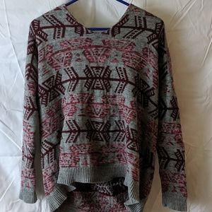Women's pull over hooded sweater size medium